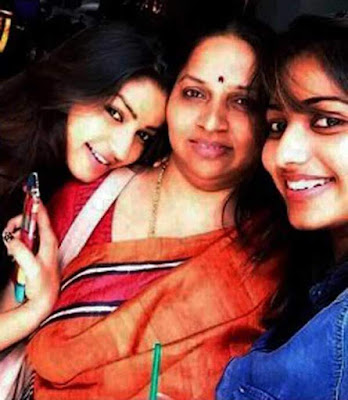Rachita Ram with her mother and sister Nithya Ram