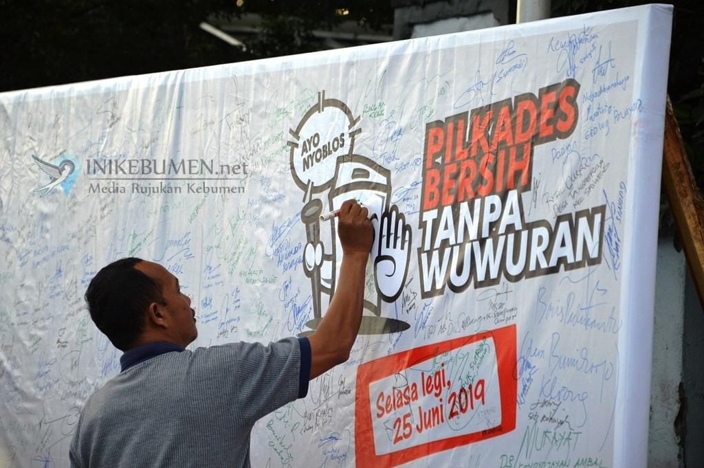 1.032 Bakal Calon Kades di Kebumen Deklarasikan Pilkades Bersih Tanpa Wuwuran