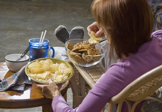 5 Easy Tips to Help Stop Emotional Eating