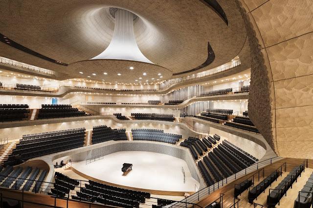 01. Elbphilharmonie di Hamburg, Jerman oleh Herzog & de Meuron