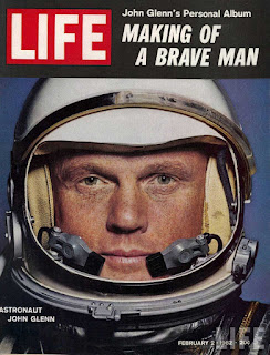 Copertina di Life dedicata all'astronauta Glenn.
