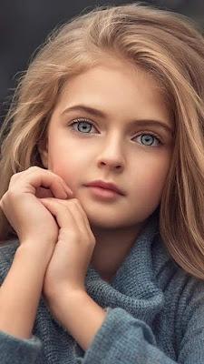 صورة بنت صغيرة جميلة