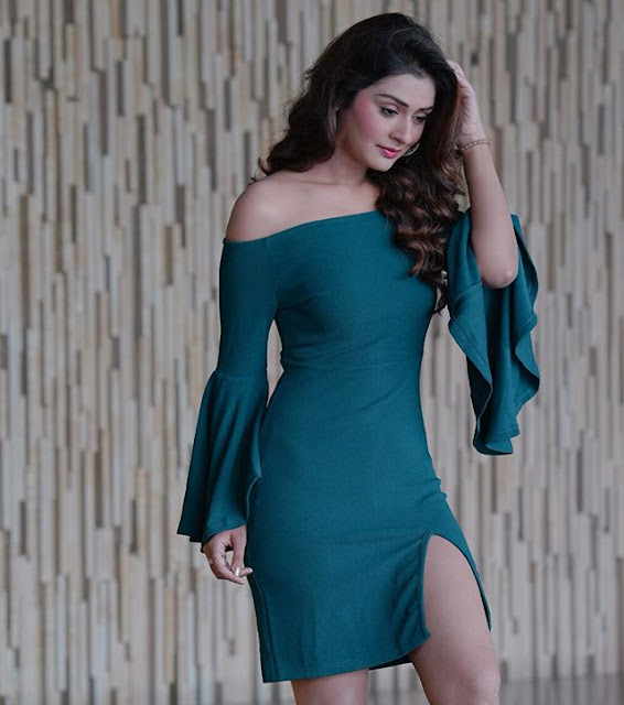 Payal Rajput Hot & Sexy Pics