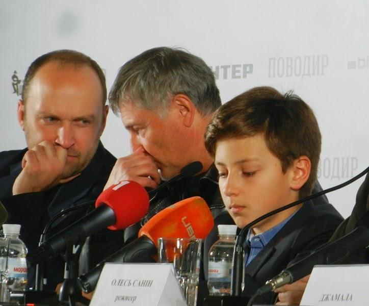 Артисты дают пресс-конференцию