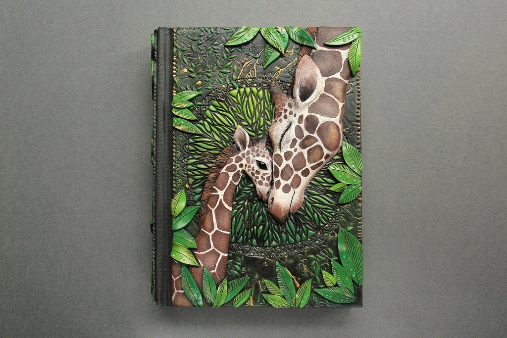 19-Mummy-and-Baby-Giraffe-Aniko-Kolesnikova-Polymer-Clay-Book-Diary-and-Electronics-Cover-www-designstack-co