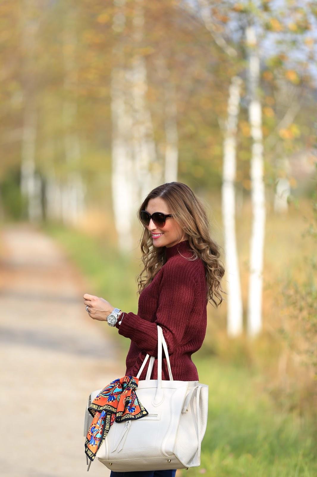 Celine Bag - Beige Tasche kombinieren- wie trage ich einen Rolli - Herbstlook - Blogger Herbstlook - Musthaves im Herbst - Bordeaux - Beige- Pulloiver in Bordeaux - Bordeaux Bloggerpulli - Blogger aus Frankfurt
