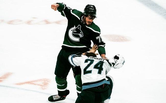 MacEwen Forbort Canucks Jets NHL Fight