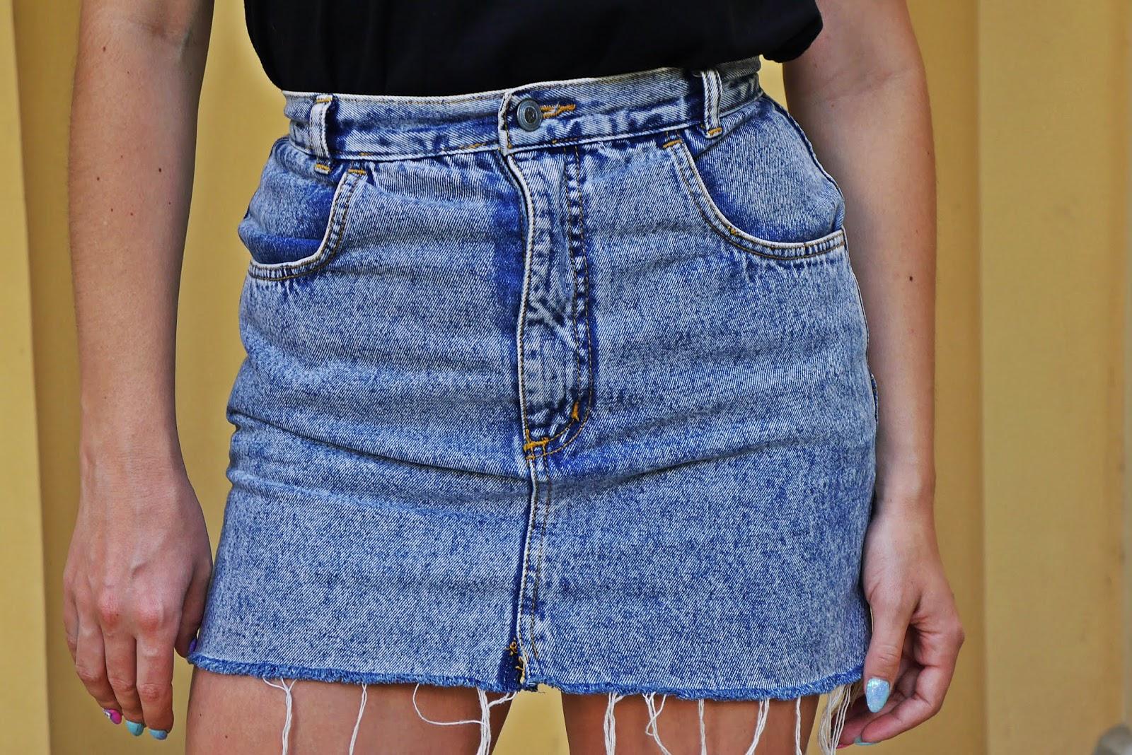 5_jurassic_park_t-hirt_spodnica_jeans_botki_skarpetki_renee_karyn_blog_modowy_080718