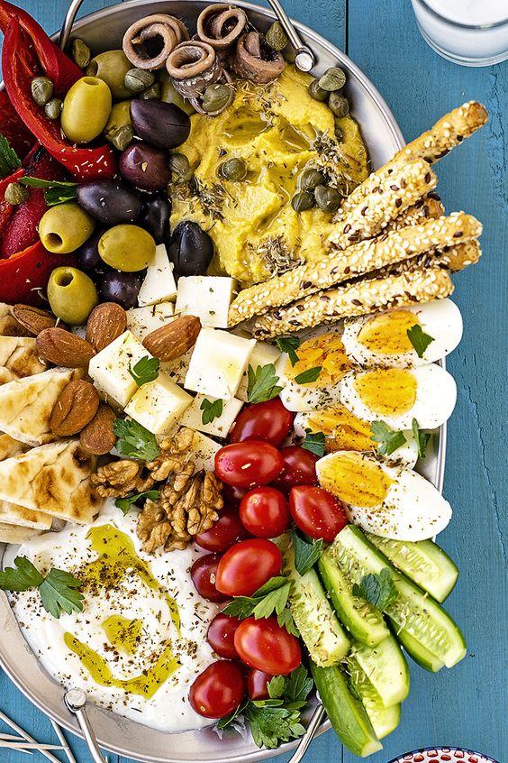 Greek meze platter (How to make it at home)