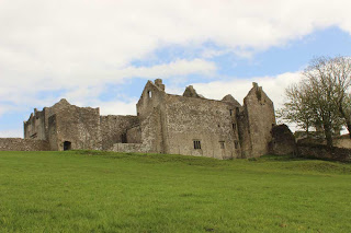 old beaupre castle, placesinwales.blogspot.com