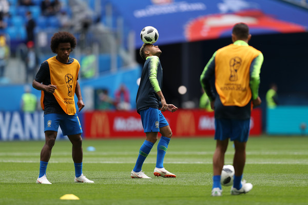 Neymar and Willian work out before Brazil world cup 2018 match vs costa rica