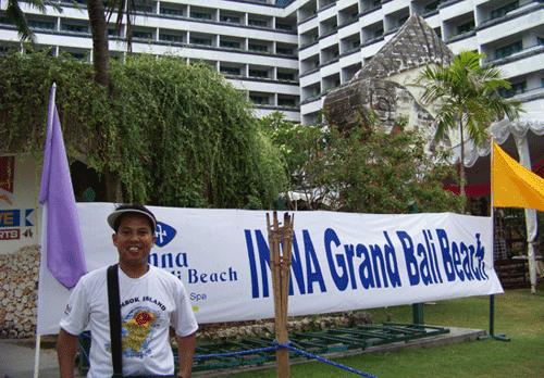Its me when I visited Bali around in 2008.  Photo taken in front of I Grand Bali Beach in Kuta.  Photo Syahrir Badulu