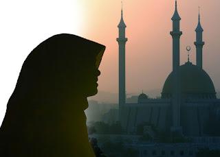 Islam's view of women's social status