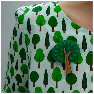 Tree treats: Ivy Arch dress with You Make Me Design brooch