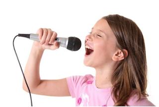 Nyanyikan lagu Desaku bersama keluarga www.simplenews.me