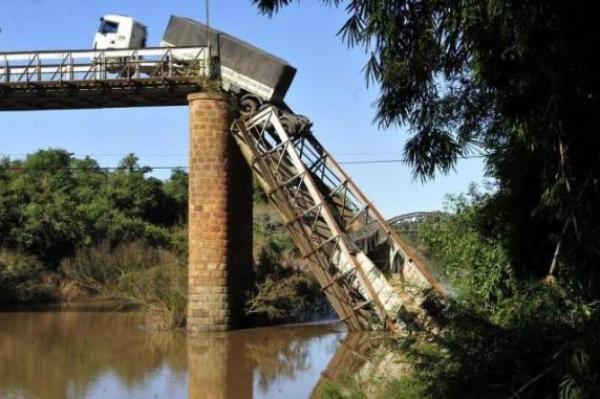 Começou a obra de reconstrução da ponte