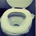 Te explicamos porque nunca debes de hacer esto en un baño público