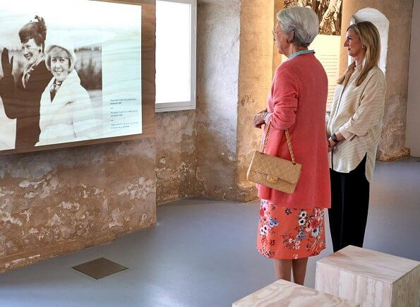 Princess Benedikte visited the exhibition Vigdis Finnbogadottir, The World's First Elected Female President at the  North Atlantic House in Copenhagen