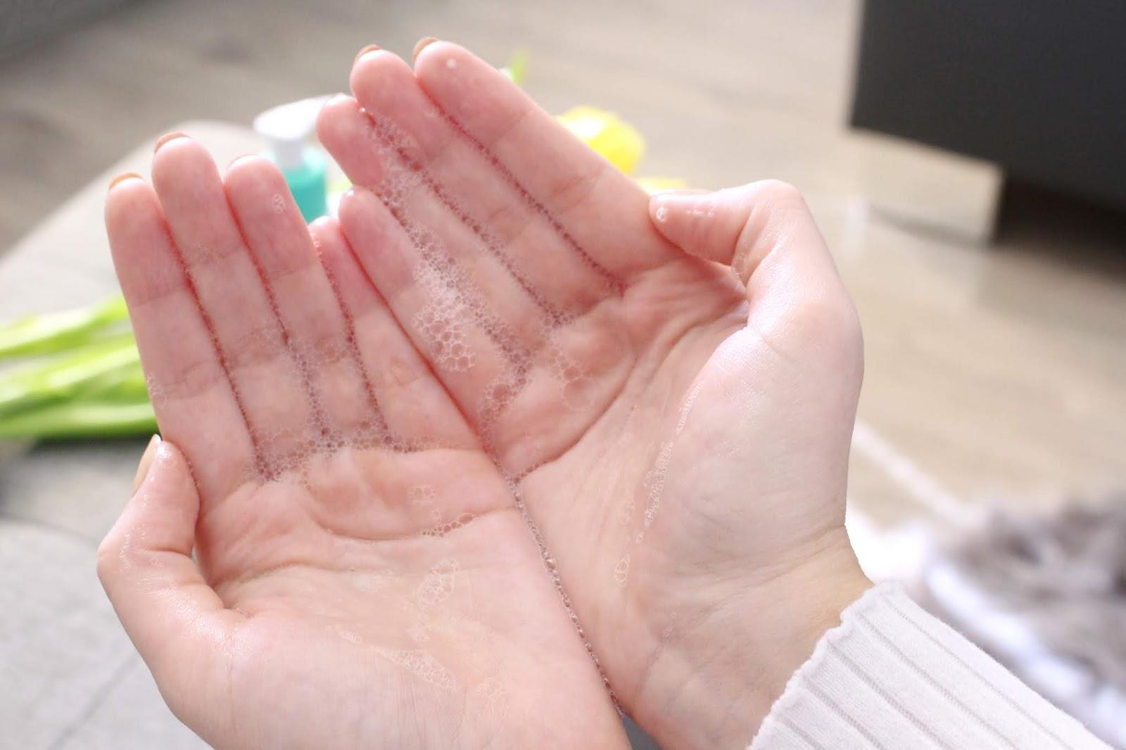 pripravky proti akne, vyrazky, recenzia, review, gel cleanser