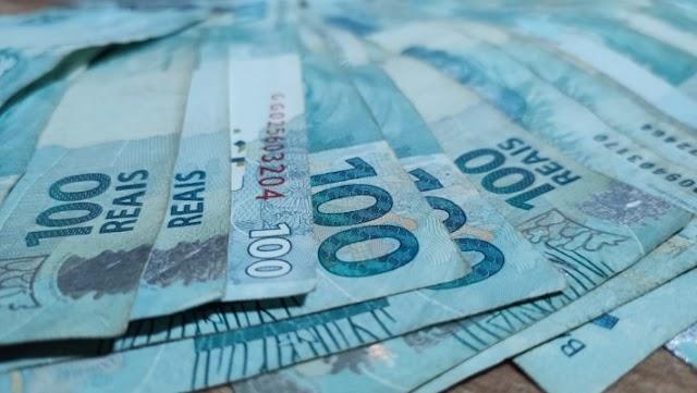 Governo envia proposta orçamentária de 2021 ao Congresso e cogita salário mínimo de R$ 1.067