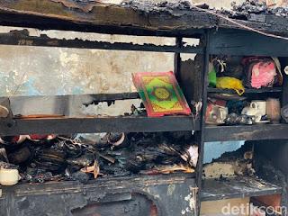 Rumah di Surabaya Ludes Terbakar, Namun Al-Qur'an Ini Masih Utuh