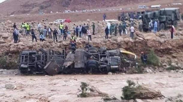 بالمغرب سيول تجرف حافلة..وفاة 6 أشخاص وفقدان آخرين