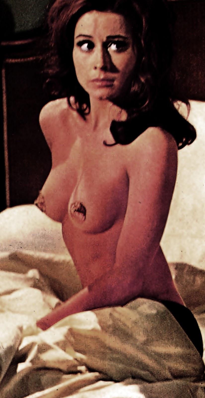 Sexy jessica fiorentino 17