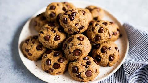 Keto-Friendly Cookies: Make Keto Chocolate Chip Cookies
