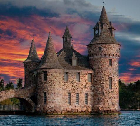 ما هي الاختلافات بين القلعة والقصر والقلعة؟
