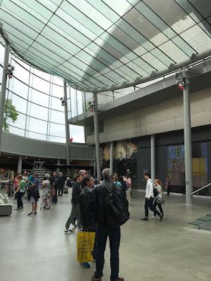 amsterdam-muzeul-van-gogh-cladirea-rietweld-holul