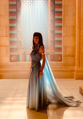 Agar (Hilka Maria) novela gênesis vestido azul