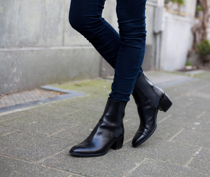 skinny jeans, Fred de la Bretoniere chelsea boots