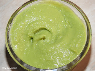 Piure de mazare reteta simpla cremoasa de casa vegetariana cu lapte si unt retete culinare mancare garnituri legume,