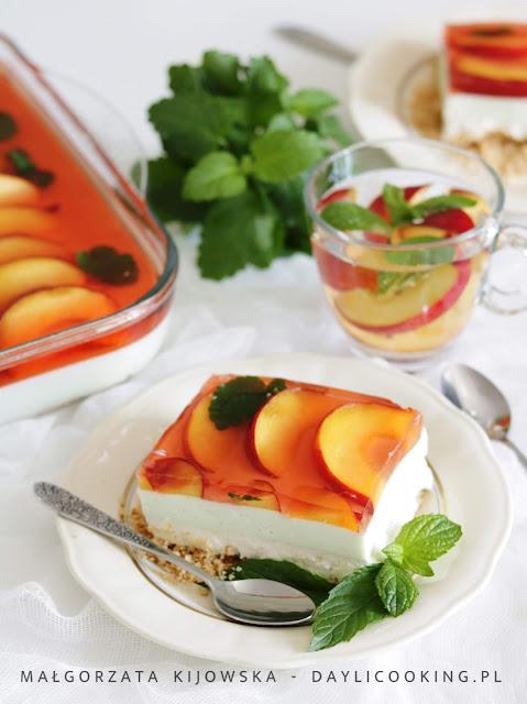 przepis na sernik z owocami, sernik na zimno z galaretką jak zrobić, daylicooking, szybkie ciasto, szybki deser,
