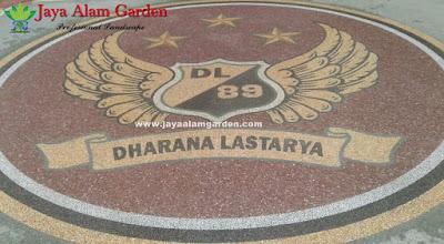 Desain Motif Batu Sikat Logo