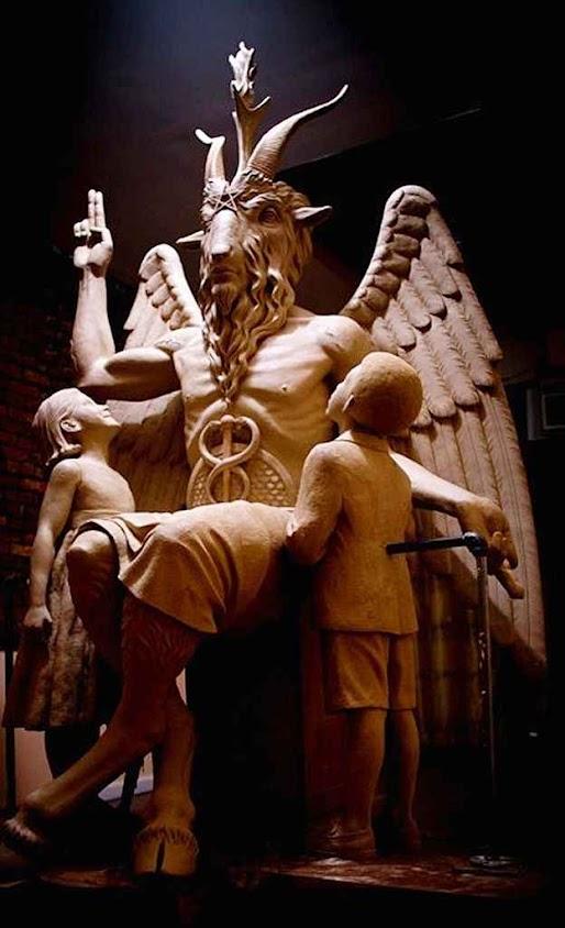 Estátua de Satanás instalada em praça pública dos EUA. O culto da Igreja de Satanás foi reconhecido pela Justiça americana