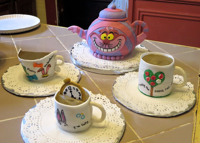 Alice in Wonderland Themed Teacup Cupcakes & Cheshire Cat Teapot Cake 1
