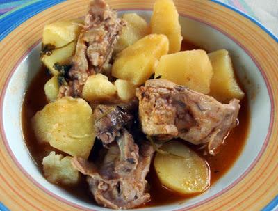 Conejo escabechado con patatas