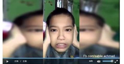 Berurai Air Mata, Bocah Penderita Autis Ini Lantunkan Adzan Dengan Sangat Merdu (Video)