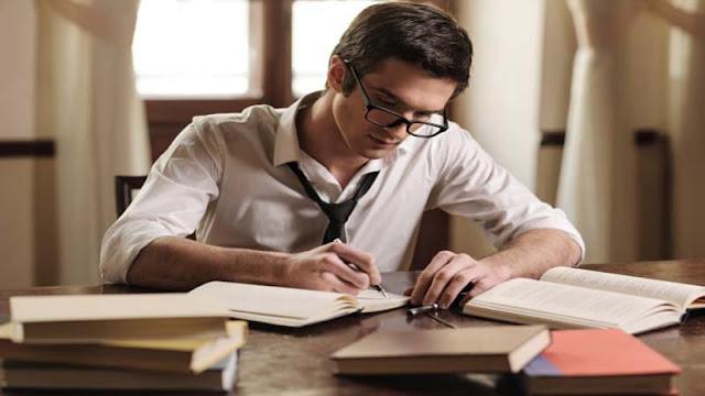 Membaca dan Menulis Mengatasi Stres