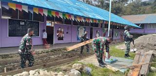 Laksanakan Karya Bakti, Satgas Yonif RK 751/VJS Menyulap Lahan Kosong Menjadi Taman