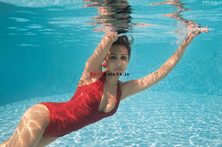 Malaika Arora Khan in Swimsuit ~ bollycelebs.in Exclusive Pics 004