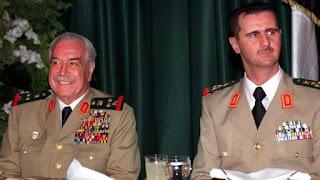 وفاة مصطفى طلاس وزير الدفاع السوري السابق في باريس عن 85 عاما