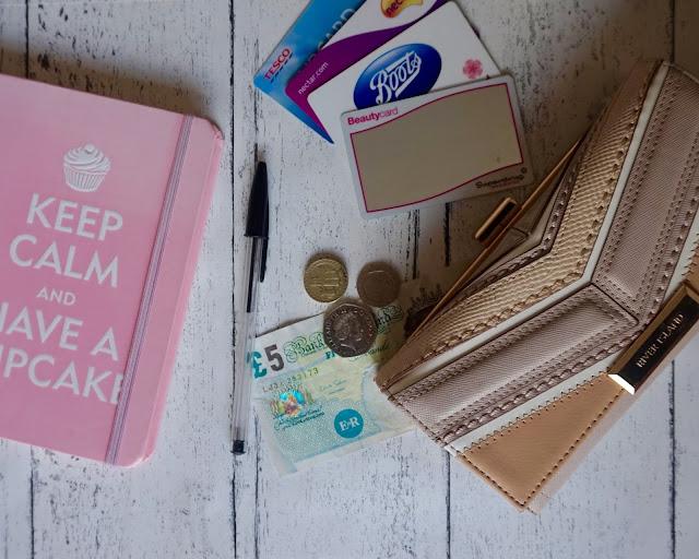 spending ban tips, lifestyle, hanrosewilliams, hannah rose, saving money, ideas