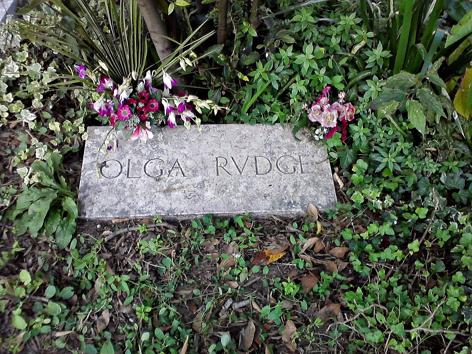 Olga Rudge grave - Venice, Italy - Photo by Cat Bauer - Venice Blog