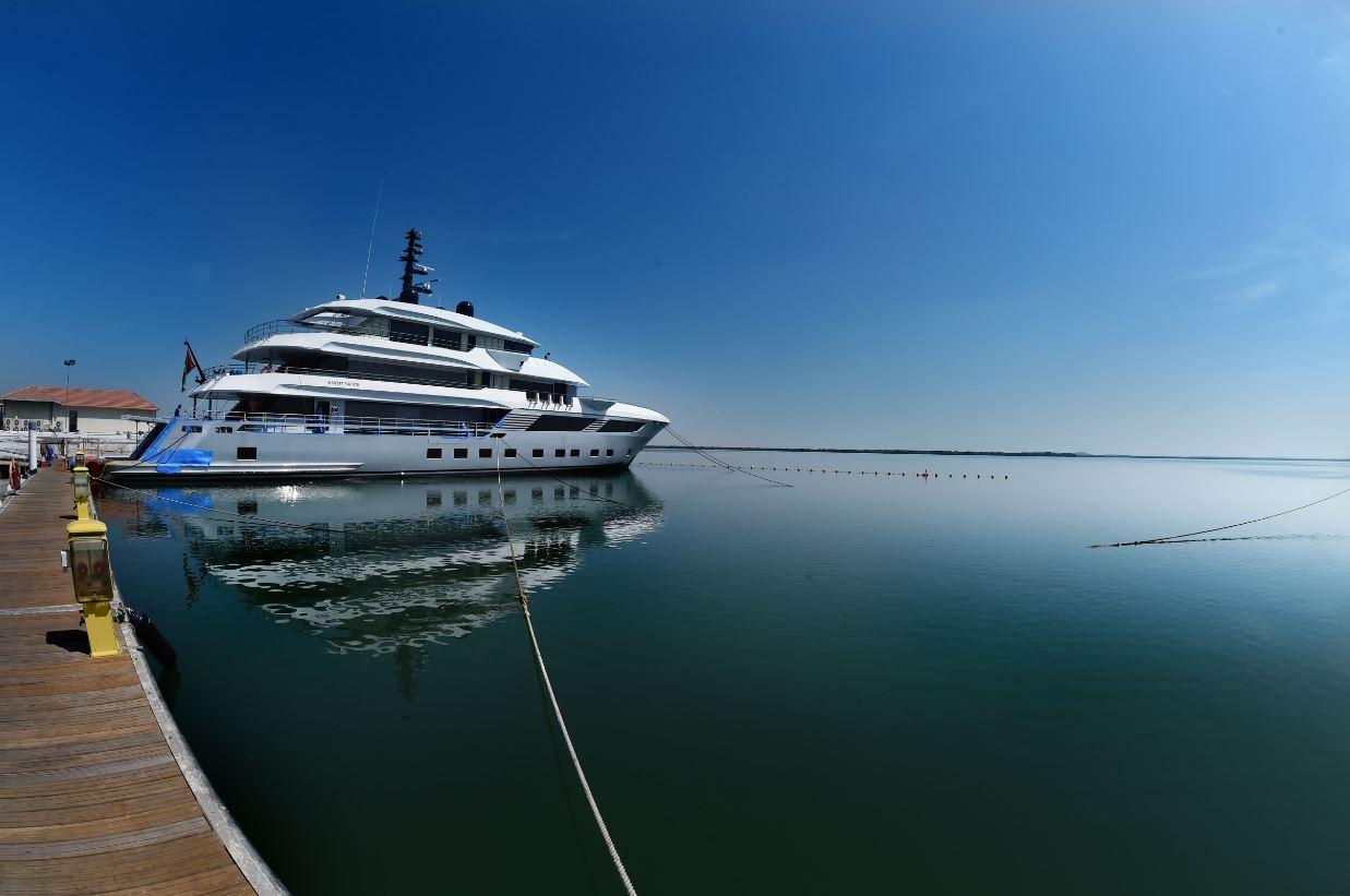 الصناعة البحرية في دولة الإمارات.. من المحلية إلى العالمية