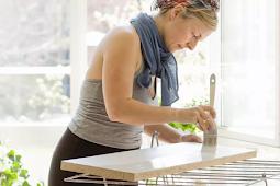 Hvordan Paint Baderom Wood skap