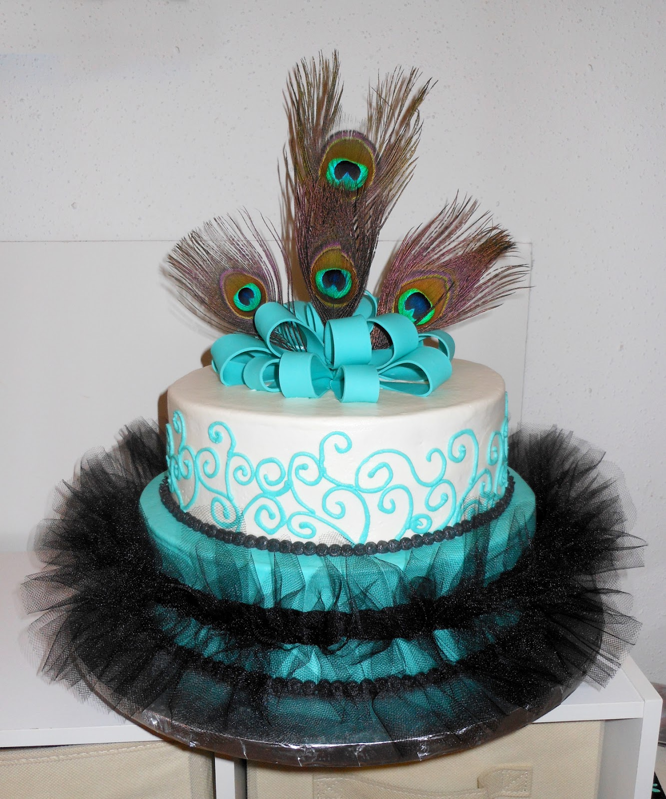 Peacock Feather Wedding Cake: Carla's Cakes: Peacock Feathers