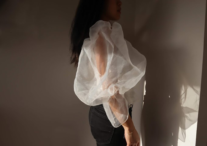 Extravagant puffy sleeve tops
