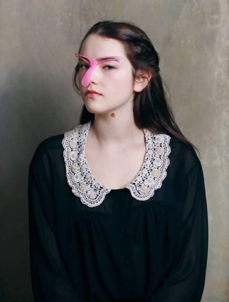 Eyebrow Stencil - Alat Kecantikan Aneh Yang Menjanjikan Kecantikan